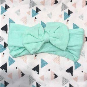 Baby headband w/bow